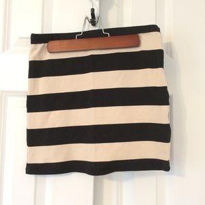 🆕 Beige and black stripe mini skirt NWOT